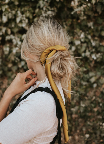 hair accessories to go with your fall outfit. www.loveoliveco.com