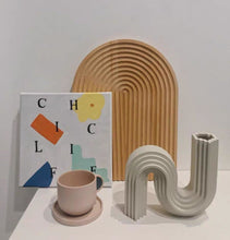 Load image into Gallery viewer, Ceramic Snake Curve Shape Echo Vase
