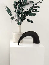 Load image into Gallery viewer, Ceramic Horn Shape Vase