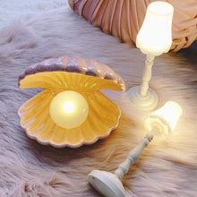 Load image into Gallery viewer, Ceramic Shell Pearl Light