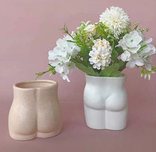 Load image into Gallery viewer, Ceramic Male/Female Body Top/Bottom Shape Vase