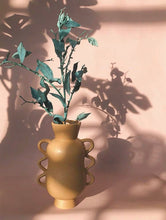 Load image into Gallery viewer, Ceramic Quirky / Screw Shape Vase