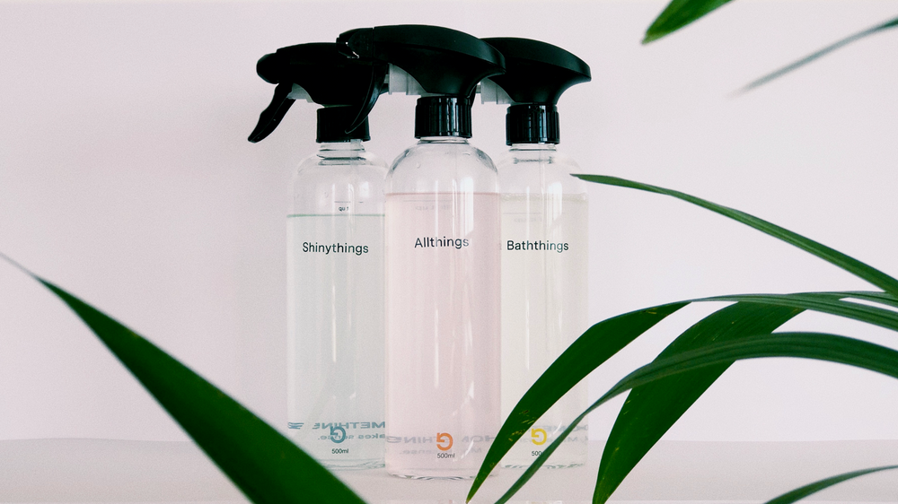 Reusable eco cleaning spray