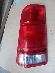 199-2002 LAND ROVER DISCOVERY SERIES II TAILIGHT TAIL LIGHT SET L&R XFB000050 - USEDPARTSRUS