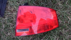 04 05 06 07 08 OUTER TAIL LIGHT TAILLIGHT LAMP Audi A4 Rs4 S4 8E5945095A RIGHT - USEDPARTSRUS