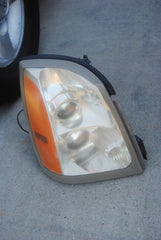 04-09 Cadillac SRX Right RH Passenger Side Halogen Headlight 15926966 Head Light Lamp - USEDPARTSRUS