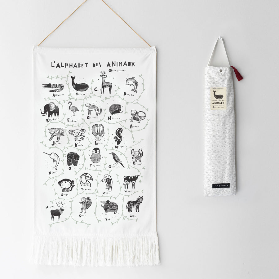 Animal Alphabet Printed Tapestry - French Edition