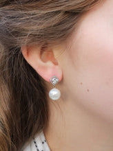 Load image into Gallery viewer, Silver Halo Pearl Earrings