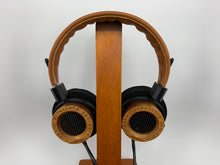 Load image into Gallery viewer, GRADO RS1e HEADPHONES