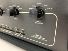 Load image into Gallery viewer, AUDIO RESEARCH SP-8 PREAMP W/PHONO BLACK FACEPLATE