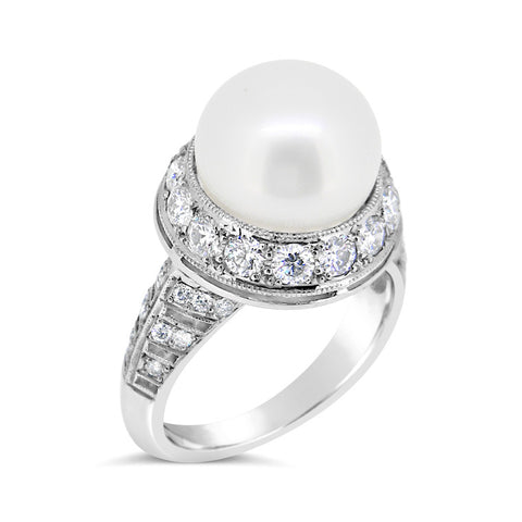 South Sea pearl and diamond dress ring   WPP41