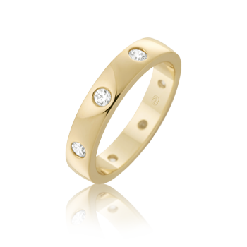 Hammer set diamond wedding band