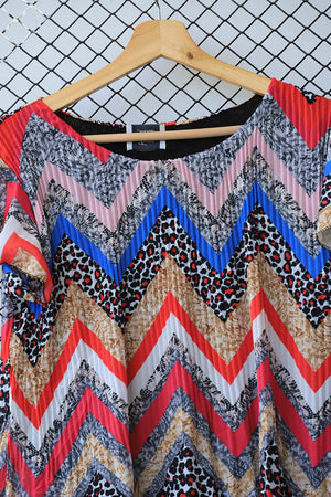 Retro Cevron Printed Pleated Blouse