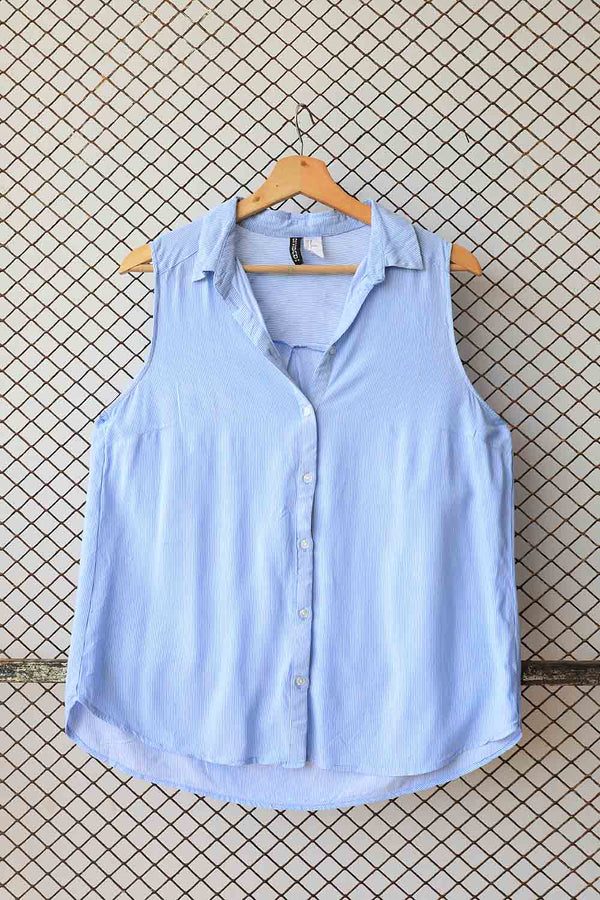 Sleeveless Blue Cropped Blouse