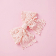 Load image into Gallery viewer, Lace Hairbow