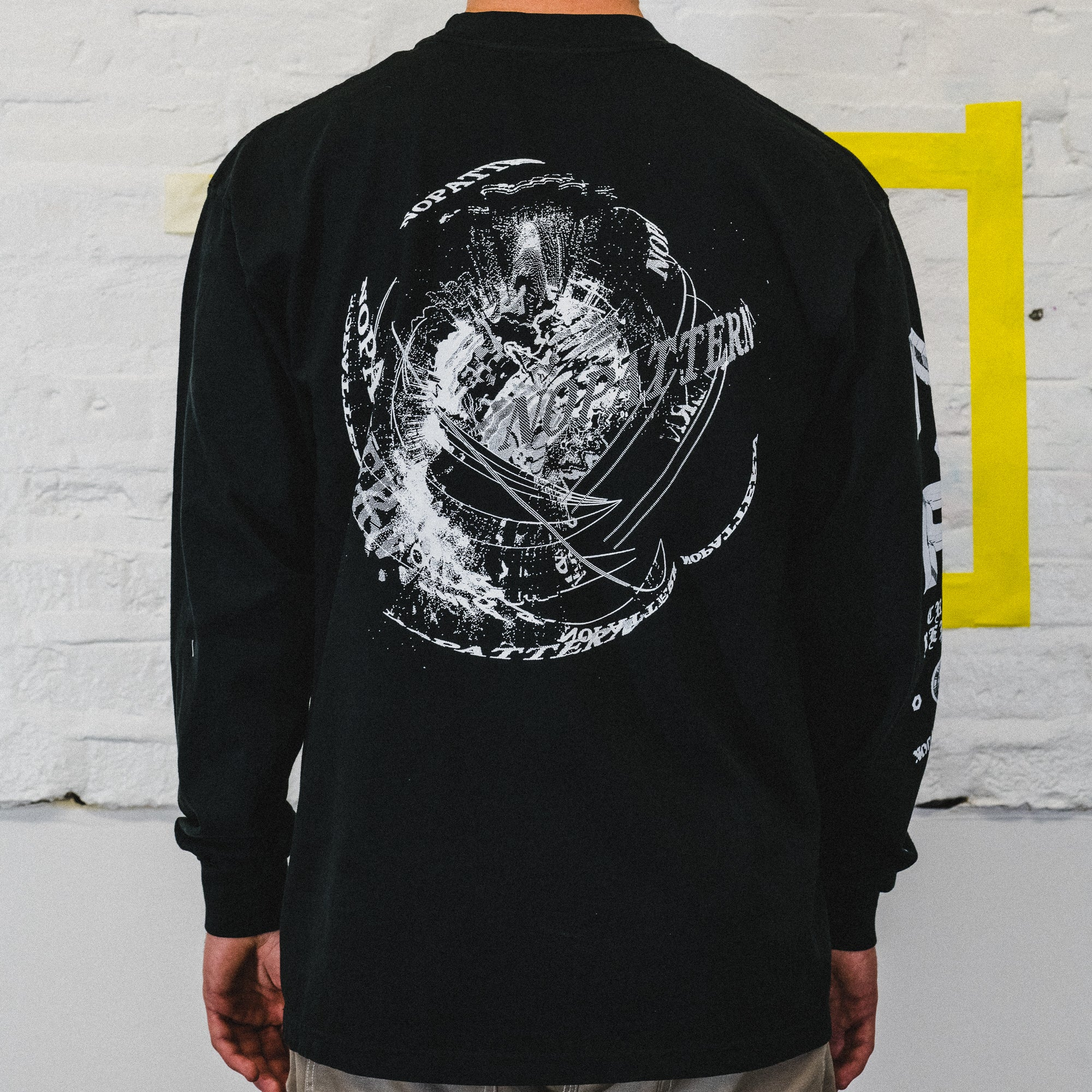 NOPATTERN CRASH REPORT LONG SLEEVE