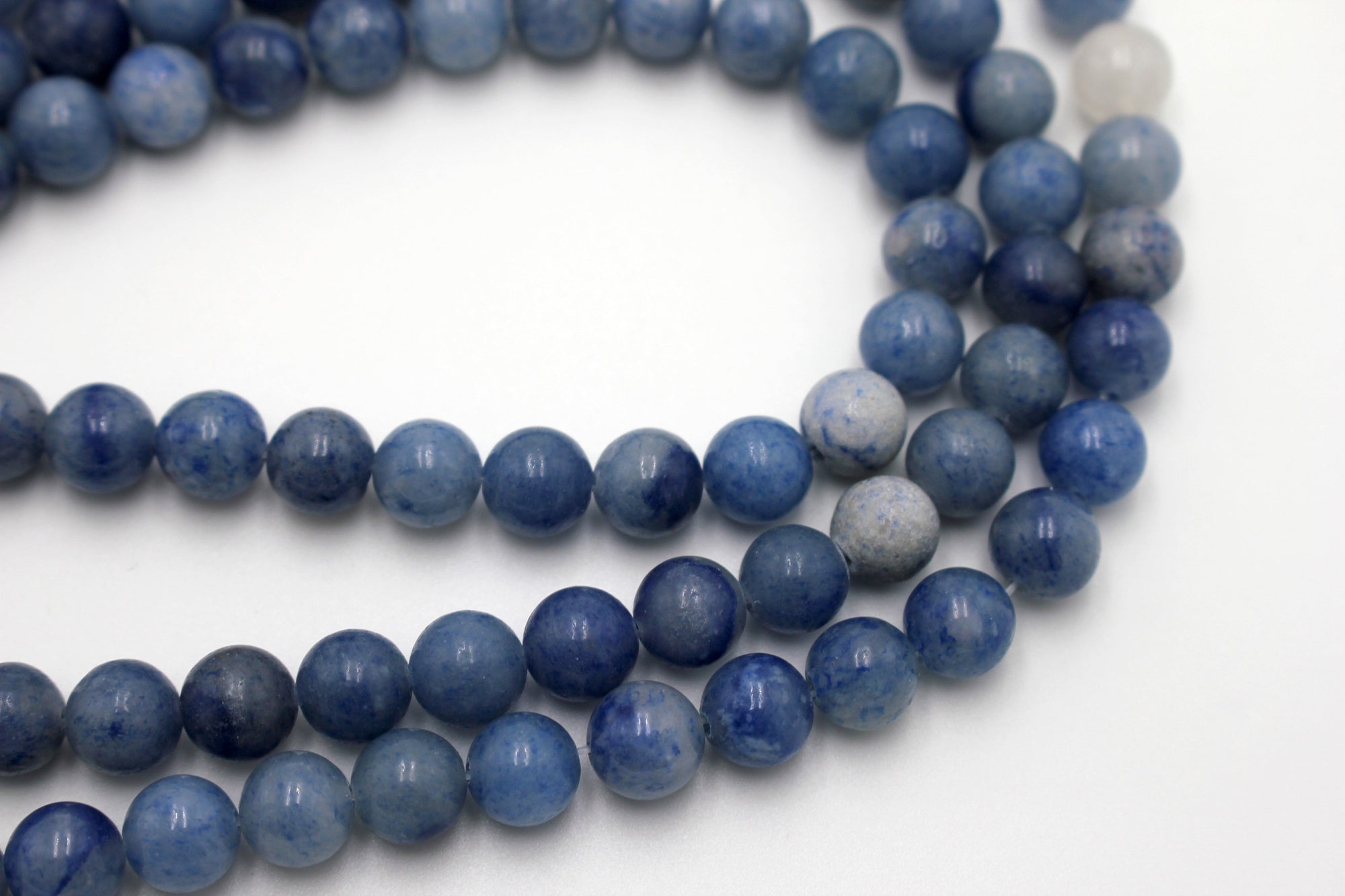 8mm blue aventurine, glossy, 1 strand, 16 inches, approx. 48 beads.