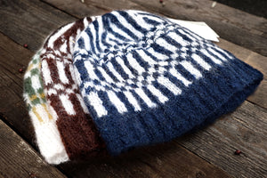 Patterñ Ω · Handknitted ° Hat
