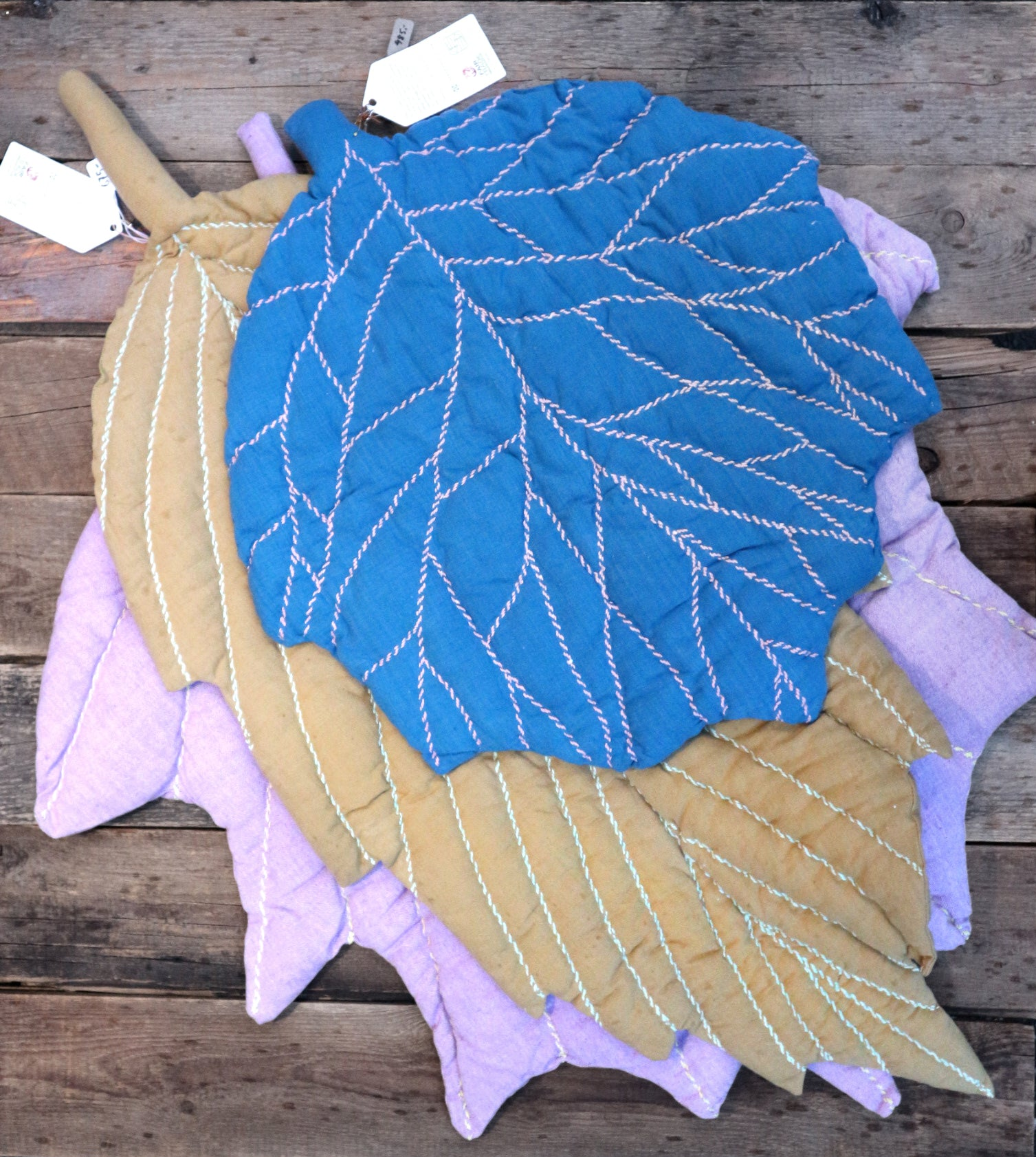 Leaf quilt ° A ∫ P small