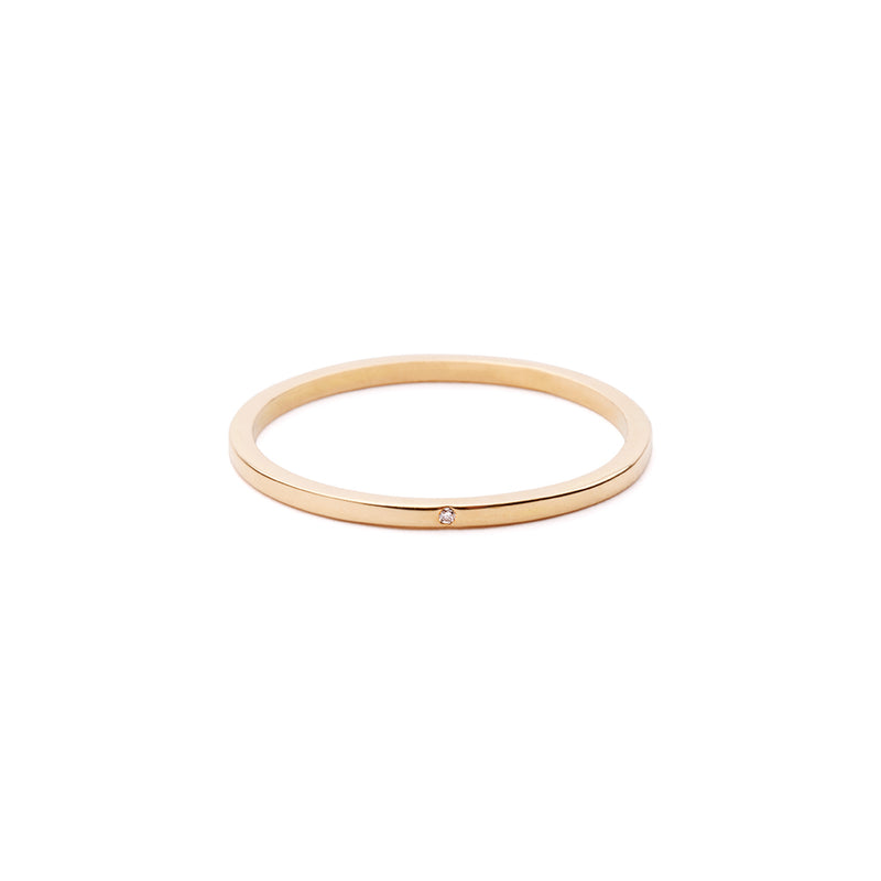 CLASSIC Ring 18Ct Gold with White Diamond