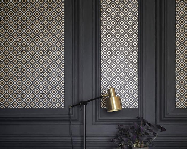 Paint & Paper Library Quatrefoil Tallanstown Grey Wallpaper