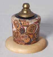 Pet urn - White and bronze pearly resin with Walnut shells and gold top - Melanie - MH Studios
