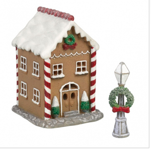 Light Up Gingerbread Townhouse w Lamp Post Set of 2 4 inch