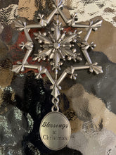 Load image into Gallery viewer, Silver Snowflake Swirly 3d Ornament