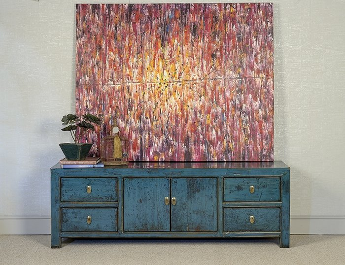 Blue sideboard with accent