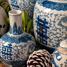 Oriental chinese blue and white ceramics gingers jars