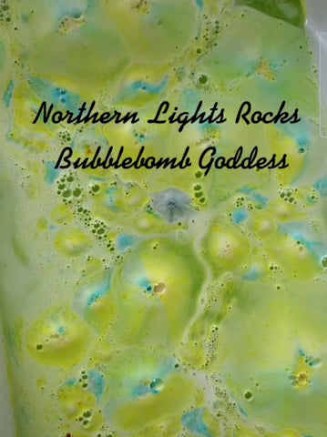 Starry Night (Northern Lights Bath Rocks)