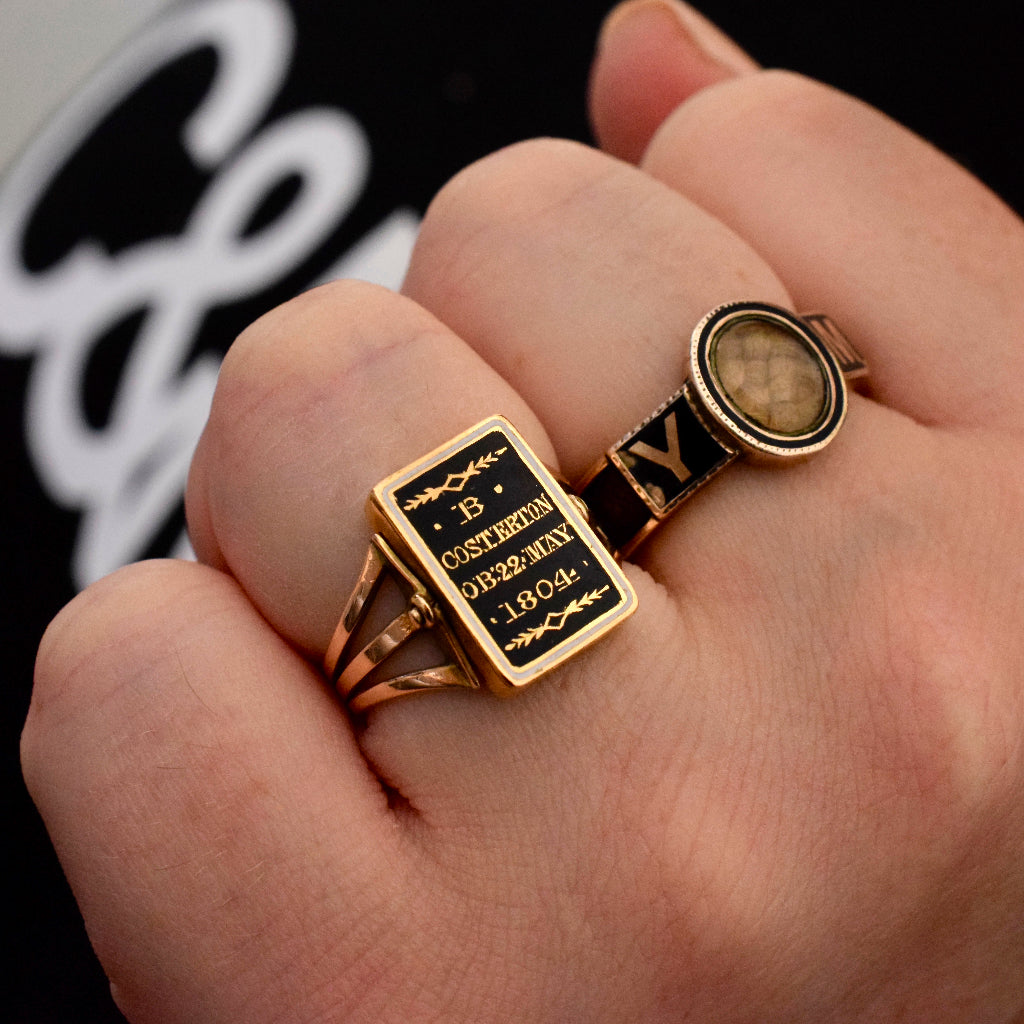 Late Victorian Gold Enamel & Hair 'Memory' Mourning Ring Circa 1860-1880