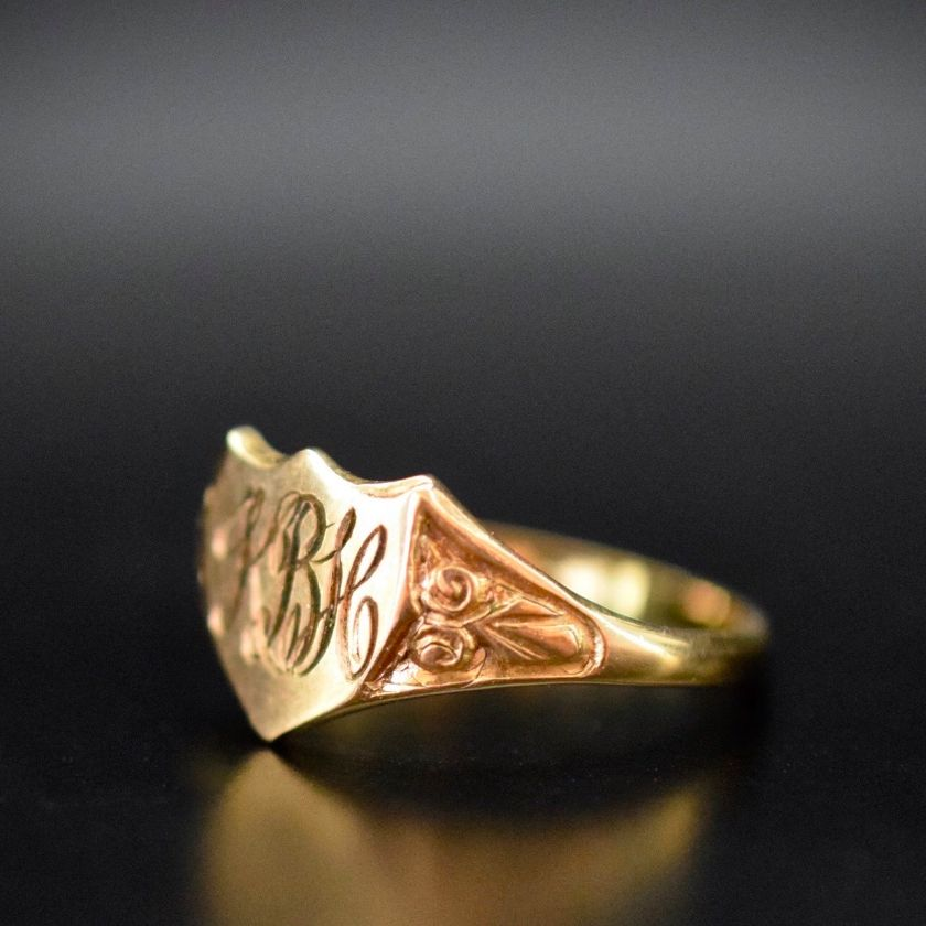 Sweet Edwardian 9ct Rose Gold Shield Signet Ring Circa 1915