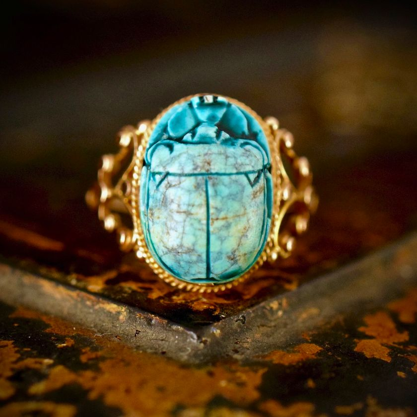 Incredible 18ct Yellow Gold Egyptian Revival Faience Scarab Ring
