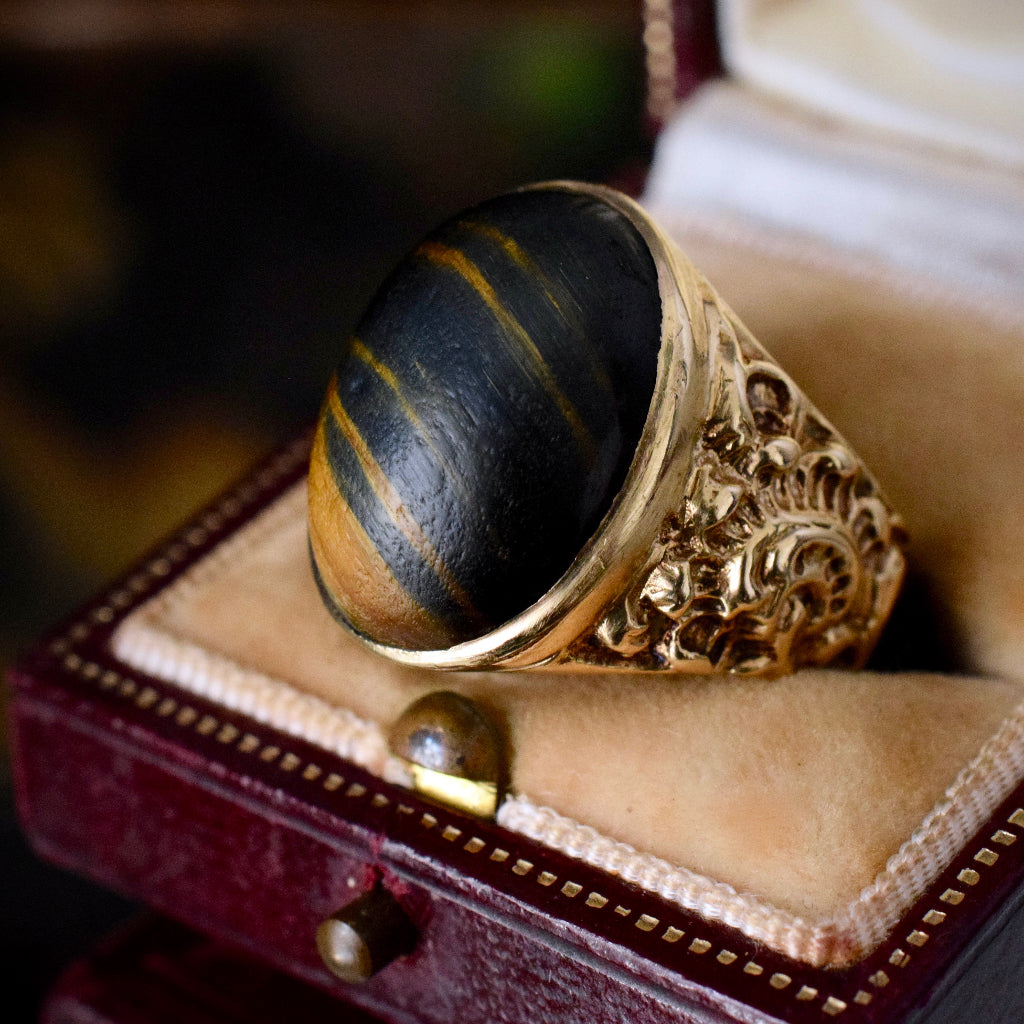 Vintage English 9ct Yellow Gold Tigers Eye Signet Ring London 1970