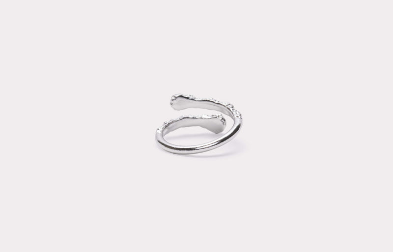 IX Crunchy White Nature Ring Silver