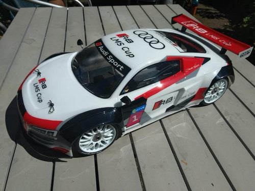 Serpent Body 1/8 GT Audi R8 clear pre cut