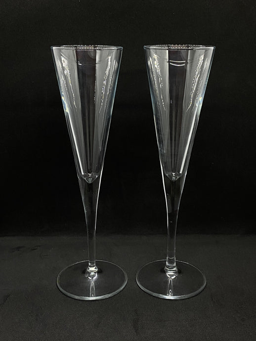 Pair of V Shaped Champagne Flutes - Edinburgh Booze Delivery
