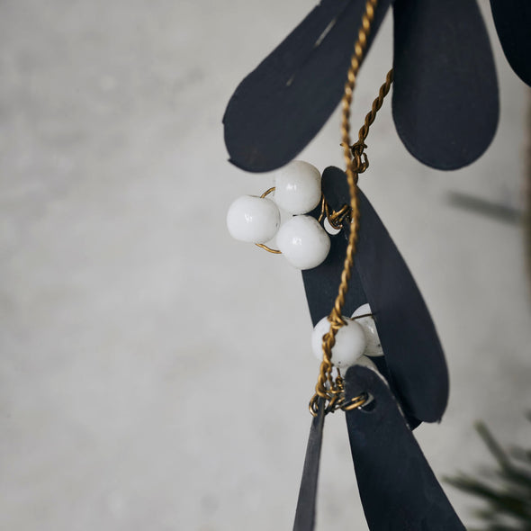 Ornament Mistletoe Black Black