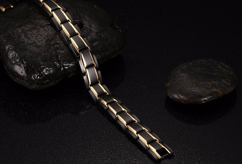 Mens Adjustable Link Bracelet in Black and Gold Tone