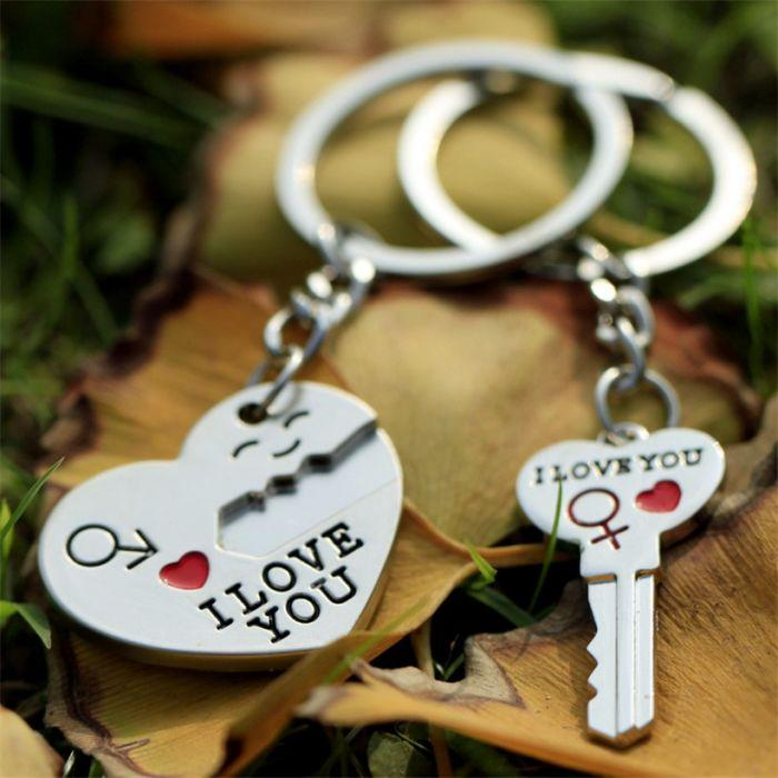 SILVER COUPLES' 'I LOVE YOU' - Lock heart & Key KEYCHAIN SET