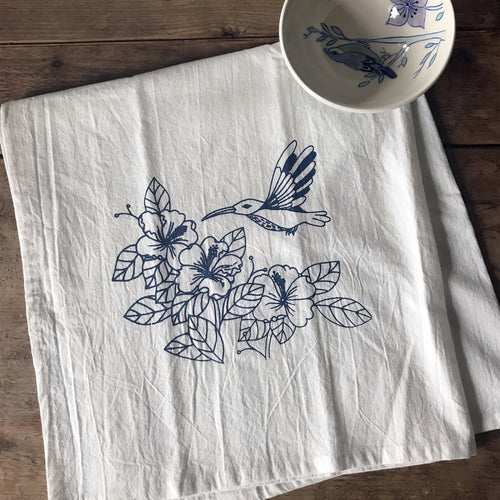 Tea towel with hummingbird - dark blue