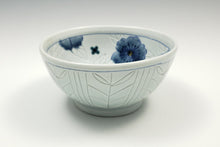 Load image into Gallery viewer, Personal sized bowl with celadon glaze and flowers – 2