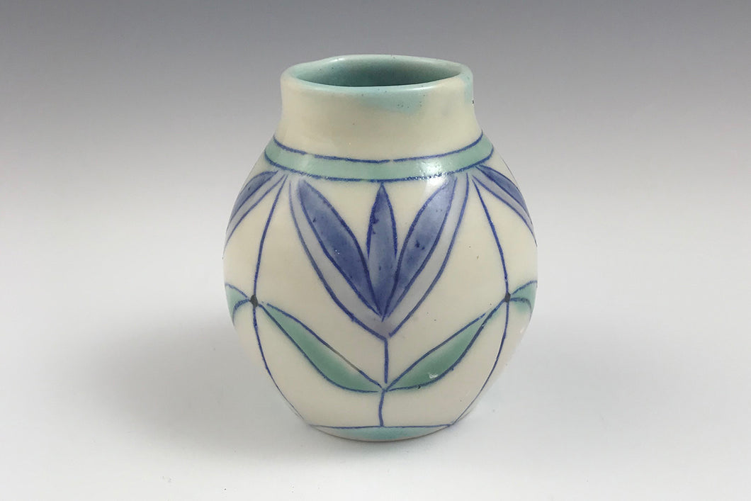Bud vase with flower motif