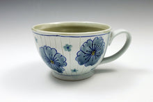 Load image into Gallery viewer, Wide mug with flowers 4