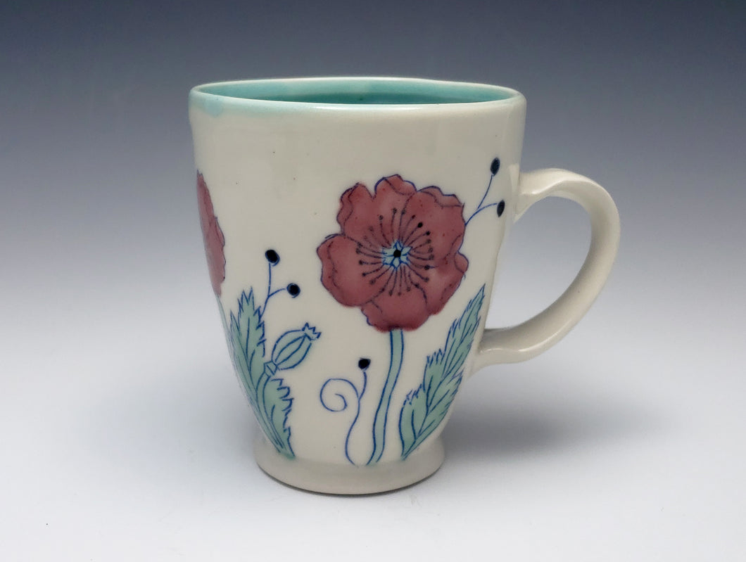 Mug with red poppies