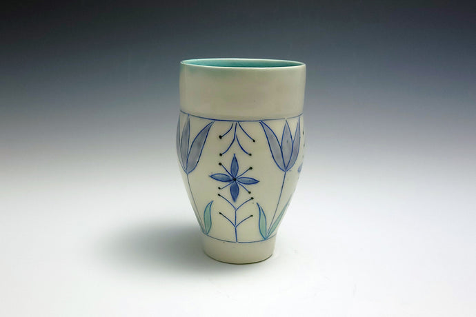 Juice cup with tulips 3
