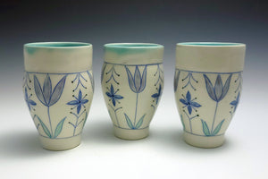 Juice cup with tulips 1