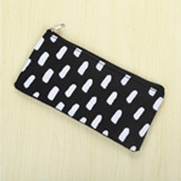 Cosmetic pouch monochrome lovers