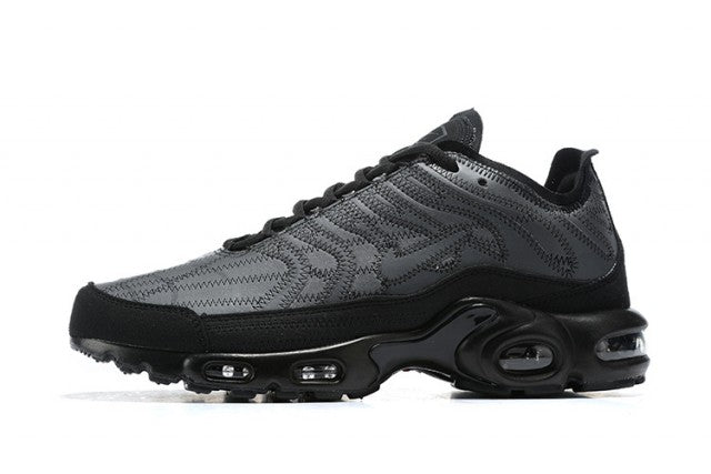 "NIKE AIR MAX PLUS TN ""DECON REFLECTIVE MENS TRAINING SHOES"" / 020913"